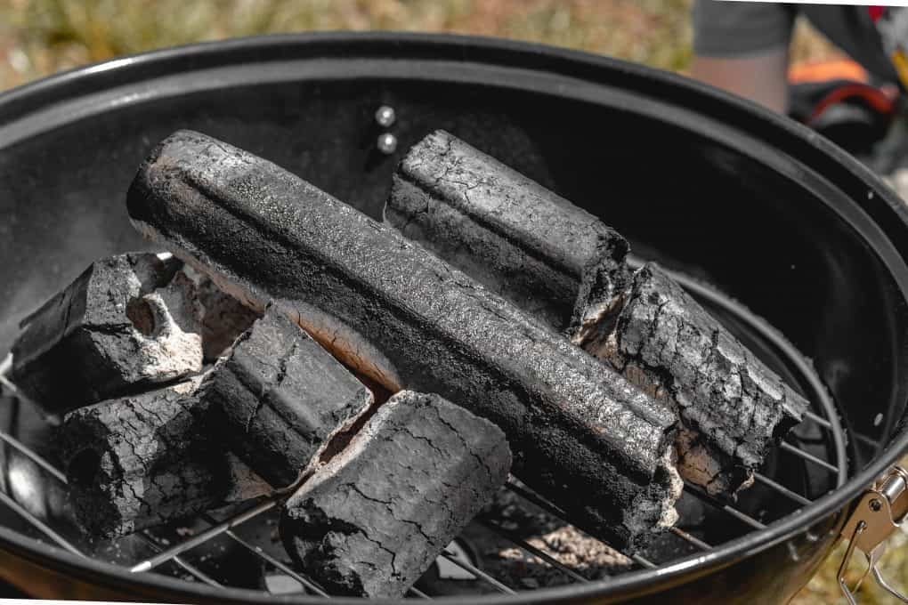charcoals inside the bbq smoker