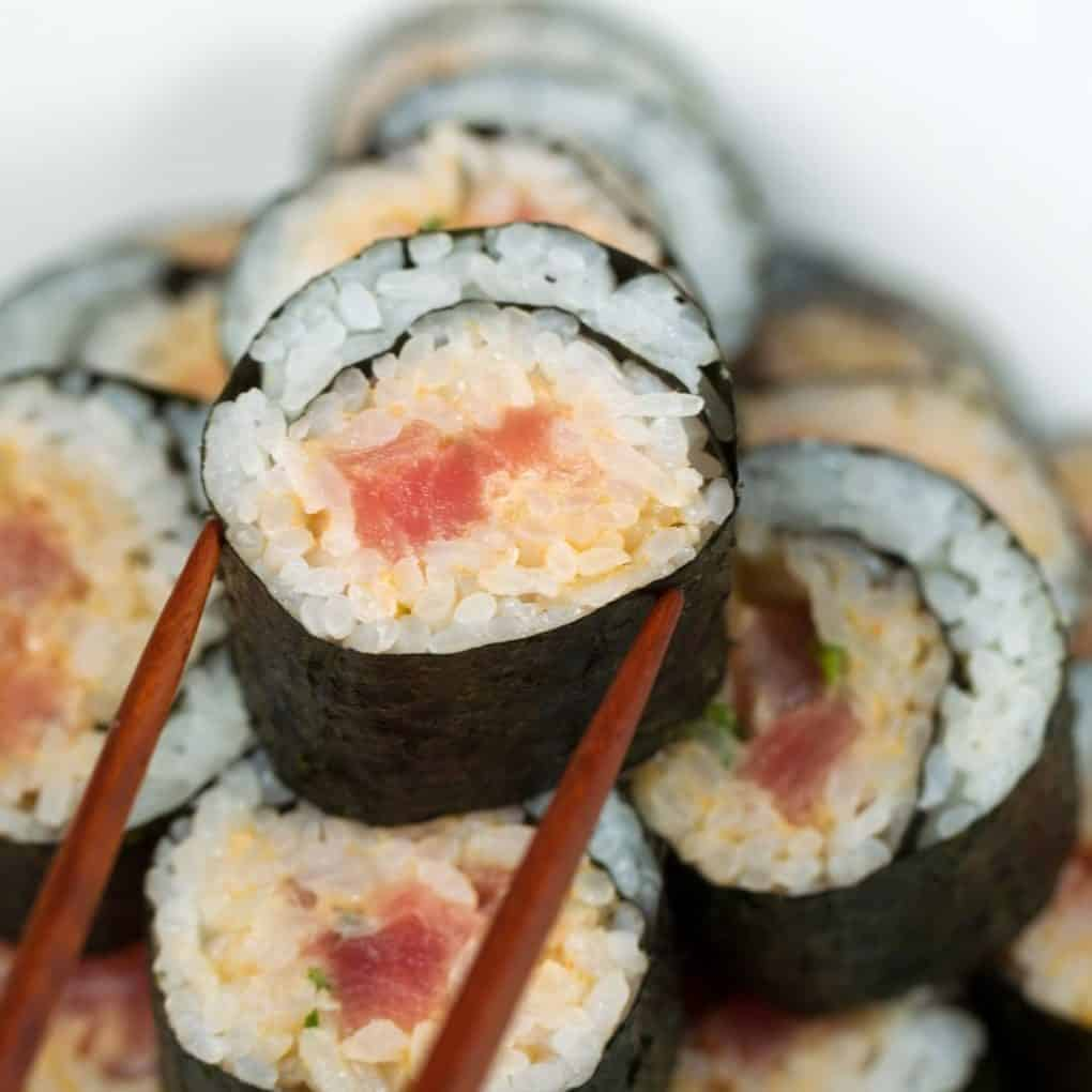 Calories in the spicy tuna sushi roll