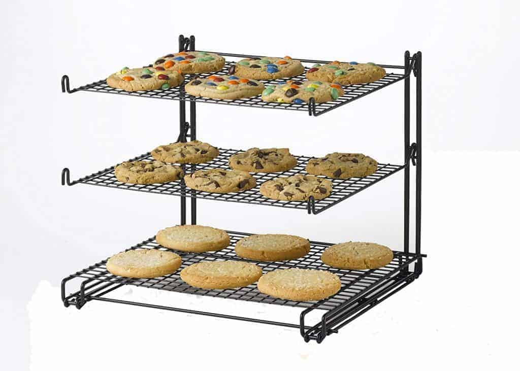 ​Best cooling rack for baking at home: Betty Crocker Nifty non-stick